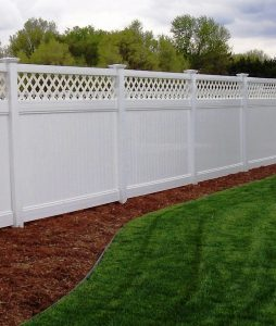 premium-lattice-privacy-fence-white-vinyl-fence-husker-vinyl
